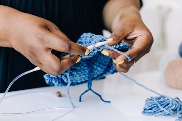 A Tunisian Crochet Workshop with Toni Lipsey | The Crafter's Box